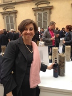 Emilia d'Orsi of Fattoria Casaloste (Panzano in Chianti) proudly shows her wares!