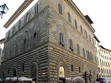 220px-Palazzo_gondi_15